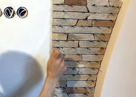 кладка декоративного камня на стену