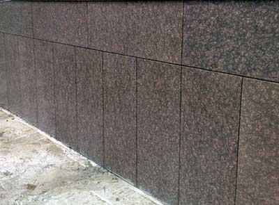 Облицовка фундамента мрамором