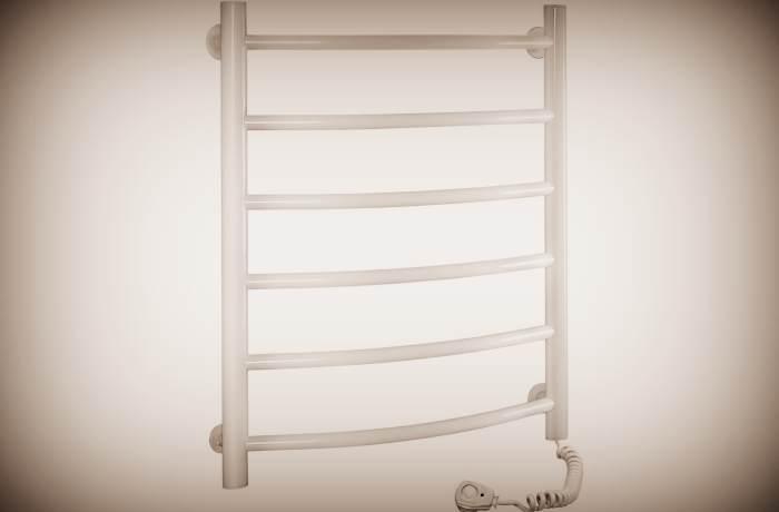 Белый электрический полотенцесушитель