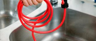 Как быстро избавиться от засора в канализационной трубе?